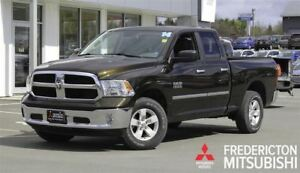 2014 Ram 1500 SLT! 4X4! V6! 8-SPEED! ONLY 30K!