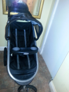 Graco click connect jogging stroller new