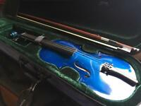 1/2 Size child's blue violin 🎻 hardly used. With case and Bow