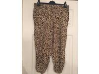 Papaya holiday size 14 trousers (can post)