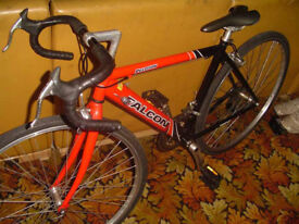 Bargain Falcon Peloton Lightweight Road / Racer bike, 19 inch frame Like new 5' to 5'6