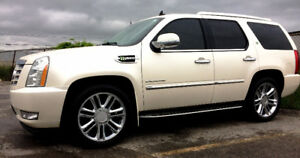 PRISTINE - 1 OWNER - NO ACCIDENTS- 2010 Cadillac Escalade Hybrid