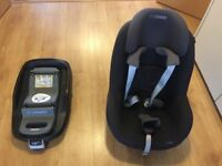 Maxi Cosy Pearl Car Seat & Family Fix (isofix) Base, both in Good Condition, over £300 when new.