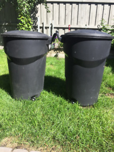 Garbage Cans - Rubbermaid, Wheeled, 121-L