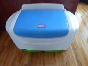 Little Tikes Toy Box - New Condition
