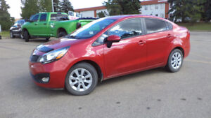2014  RIO - auto - 4 door - LOADED - A/C - ONLY 35,000KMS