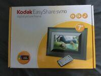 Kodak Easy Share SV710 Digital Picture Frame
