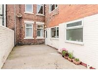 Lovely sunny 2 BR ground floor flat, large kitchen, newly decorated, central location, Wallsend