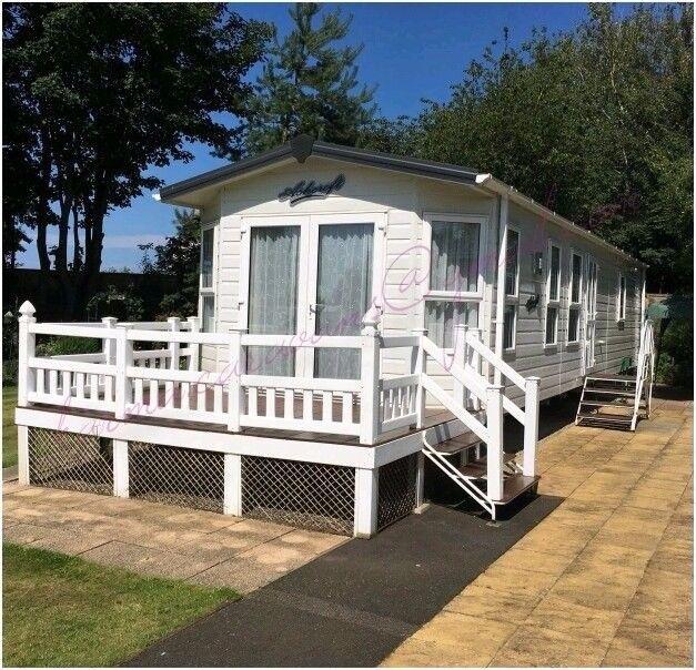 Prestige caravan sleeps 6, private garden, decking on a spacious and quiet plot