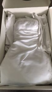 Alfred Sung Wedding Dress size 14