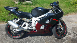*****Clean 2001 Yamaha YZF R6 Low Kms