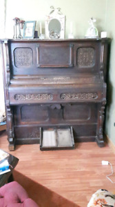 FREE Piano -  Pump Organ
