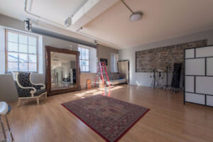Rent this Byward loft for your filmmaking & photoshoot projects.