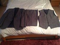 Suit, waistcoat and trousers (3-piece suit)