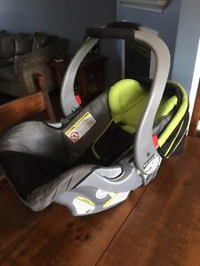 Baby Car seat with 2 bases