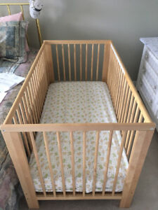 CRIB IN A BRAND NEW CONDITION PLUS PACK' N PLAY