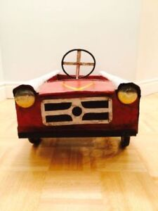 Vintage metal child's toy car - RARE
