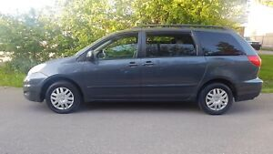 2007 Toyota Sienna CE 7SEATER LOADED WELL MAINTAINED CERTIFIED $