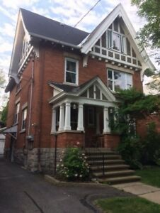 Beautiful Two Bedroom Glebe Apartment - Fourth and Bank