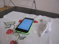 Apple iPhone 5c - 16GB is on vodafone IN EXCELLENT CONDITION