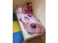 Kid's bed with matris for good condition for only 25 £