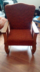 Chaise berceuse ancienne