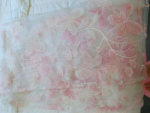 PINK AND WHITE SHEER CURTAINS