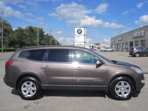 8 PASSENGER !! IMMACULATE !! 2009 CHEVY TRAVERSE LT