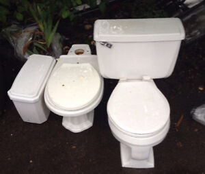 two free toilets, must be picked up together