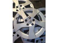 8 TOYOTA original wheel alloys greyish silver-excellent condition