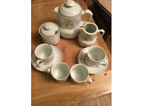 Brand new 15 piece teaset
