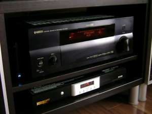 black Yamaha audio receiver rx-v1800