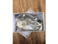 Girls silver shoes (size 4)