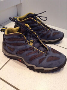 """""""NIKE"""" ACG HIKING SHOES SIZE 12.....EXCELLENT CONDITION!"""
