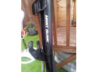 MONT BLANC LONG ROOF BARS BARGAIN AS NEW