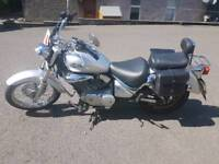 Suzuki VL 125 Intruder only 4250 miles V-Twin cruiser excellent condition very low mileage for year