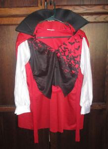 Boys Vampire shirt & cape in size 8/10