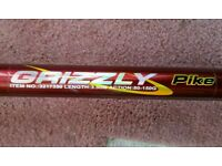 Brand New Silstar Grizzly Pike Fishing Rod