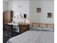 Large double bedroom in Angel! Very central location! Real Pictures!