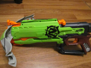 Nerf Zombie Strike CrossFire bow, in good used condition, NERF