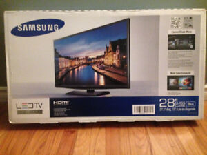New unopened 28 inches TV