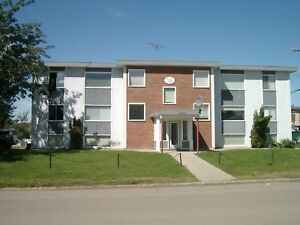 1-2 BEDROOM SUITES AVAILABLE IN AN IDEALLY LOCATED BUILDING