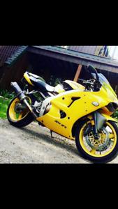 Ninja Zx6r 2001 kawasaki. SEULEMENT KM 15 500