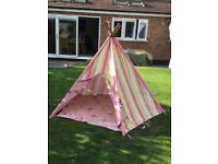 Beautiful children's teepee/tent