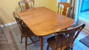 Solid Maple Kitchen Table & 4 Chairs