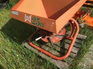 LELY Broadcast Spreader. Seeder / Salter/ Sander / Fertilizer