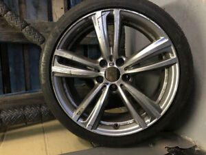 BMW 435xi Tire and Rim (Front part)