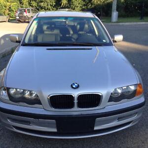 1999 BMW 3-Series 323i Sedan LOW MILLAGE CLEAN CAR! NEGOCIABLE!