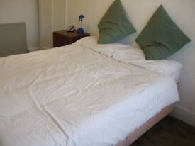Spacious double room with loads of storage. Must see!