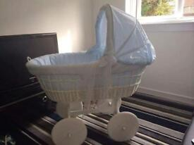 White and blue Leopold Moses basket